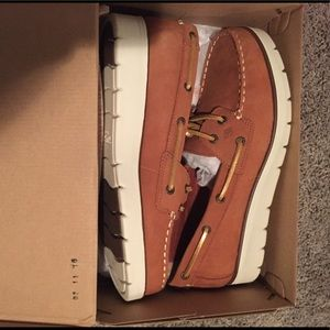 Brand NEW Sperry size 9